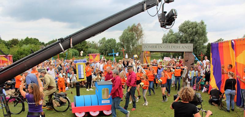 Zomer in Gelderland - Optocht - doorkomst Modelspoorclub Maas en Waal (3)