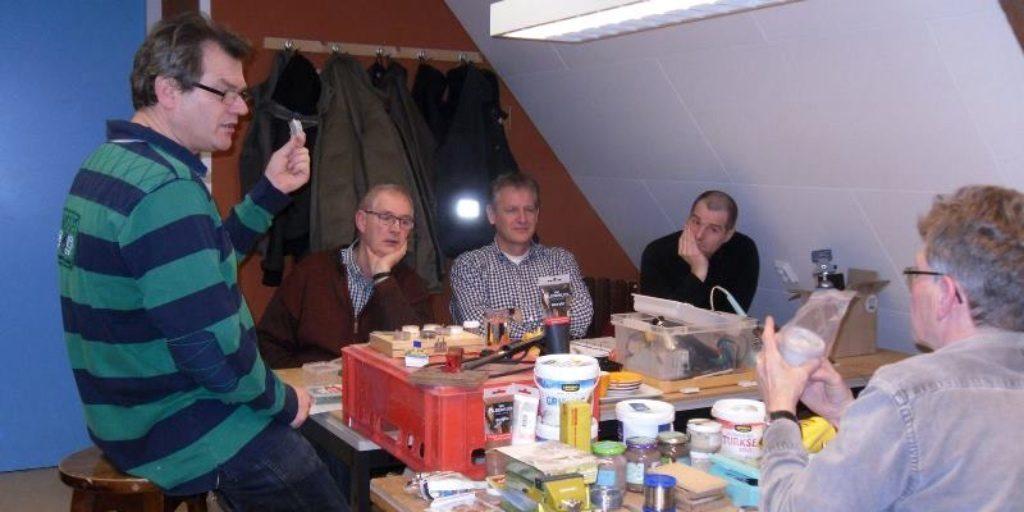 modelspoorclub Maas en Waal - Algemeen 20160120 Workshop Bomen maken 01
