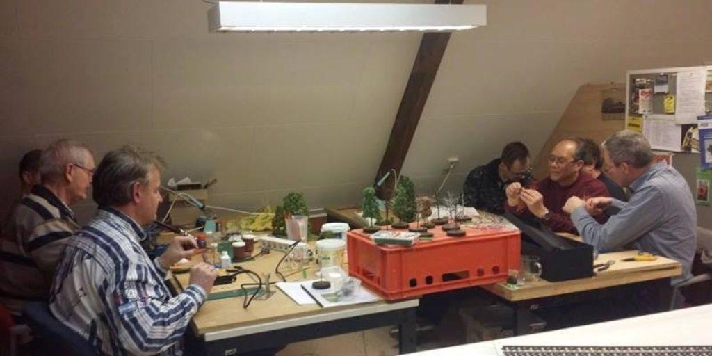 modelspoorclub Maas en Waal - Algemeen 20160203 Workshop Bomen maken 01