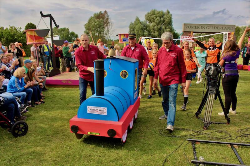 Zomer in Gelderland - Optocht - doorkomst Modelspoorclub Maas en Waal