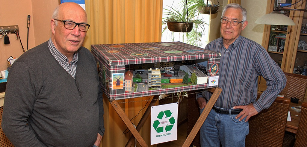 modelspoorbaan Kringloop Bas en Hans presenteren het kofferbaantje