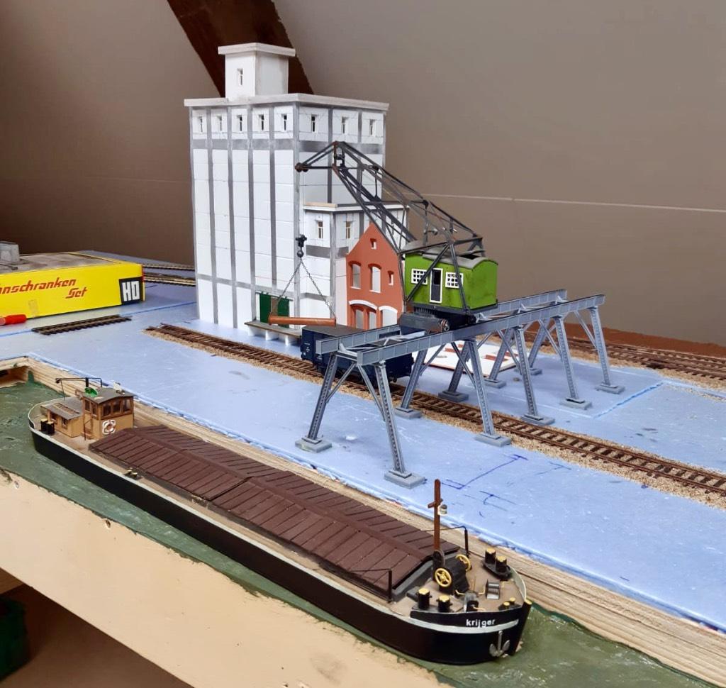 modelspoorbaan Oude Haven met prototype Kraan